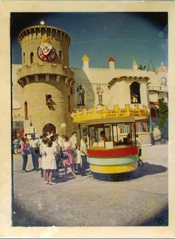 Giggle Palace Luna Park
